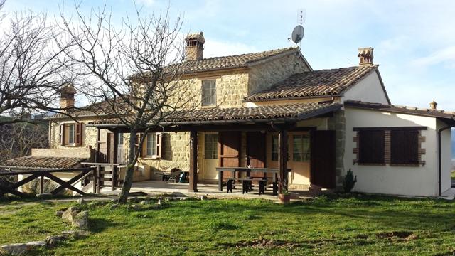 Casa esterno ingresso fronte for Opzioni materiale esterno casa