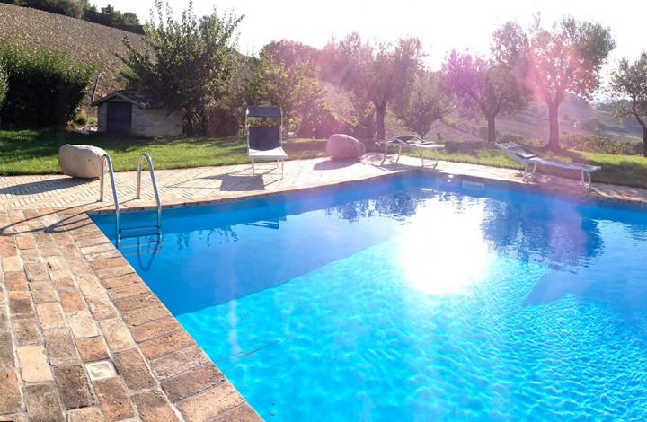 Agriturismo eschito fermo le marche - Agriturismo con piscina marche ...