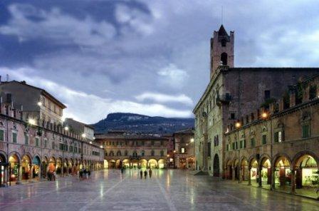 Ascoli-Piceno-piazza