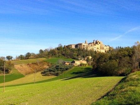 Villa-NuMoViv-Gualdo-village-2